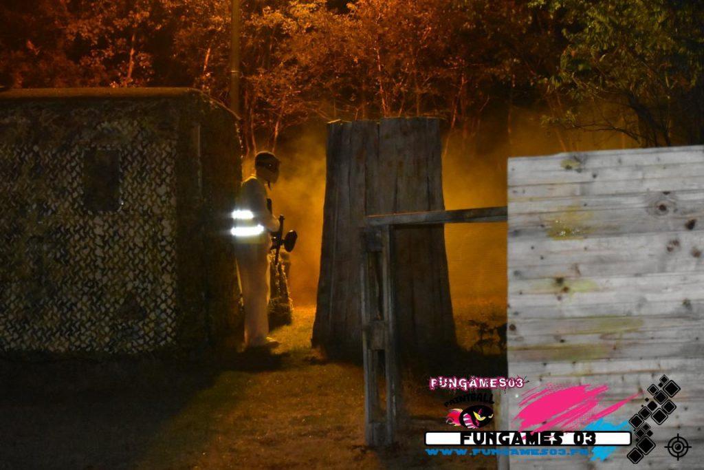 Le Paintball en nocturne et fumée avec FUNGAMES 03